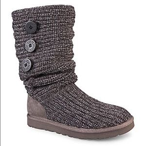 AUTHENTIC Ugg grey/silver Cardy Boots!